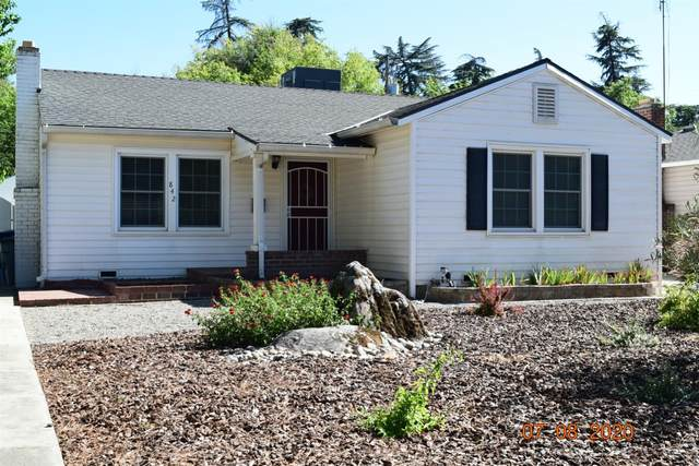 842 E Garland Avenue, Fresno, CA 93704 (#544387) :: Dehlan Group