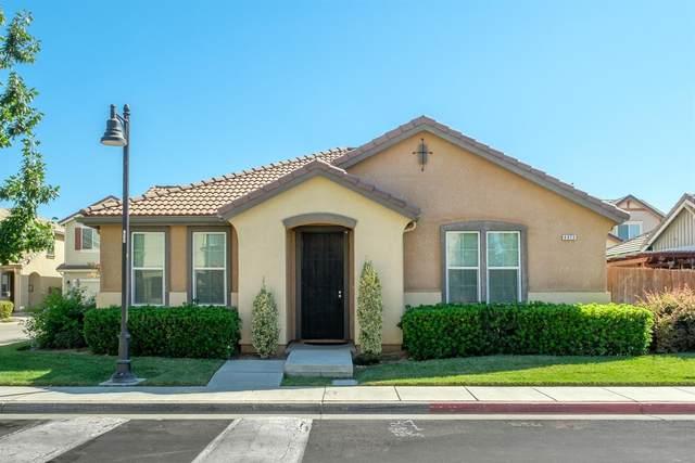 4373 W Pinsapo Drive, Fresno, CA 93722 (#544507) :: FresYes Realty