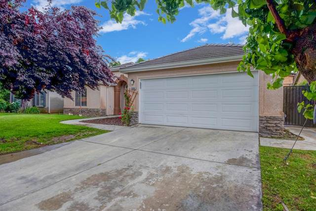 9098 N Winery Avenue, Fresno, CA 93720 (#544751) :: FresYes Realty