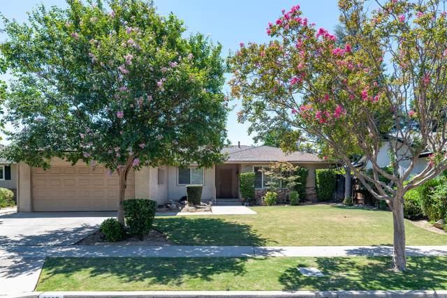 2037 E Burlingame Avenue, Fresno, CA 93710 (#545633) :: Dehlan Group