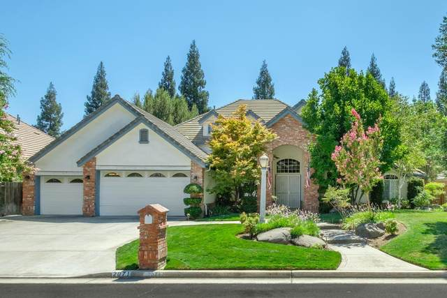 2071 W Spruce, Fresno, CA 93711 (#546131) :: Realty Concepts