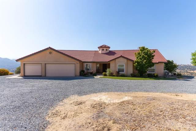 28067 Circle J Ranch Road, O Neals, CA 93645 (#546373) :: Dehlan Group