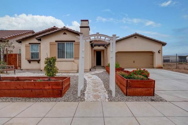 3340 N Jewel Avenue, Fresno, CA 93737 (#546390) :: Raymer Realty Group