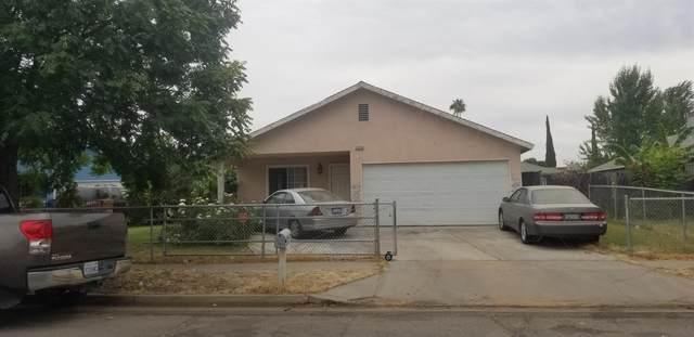 2379 S Backer Avenue, Fresno, CA 93725 (#546454) :: FresYes Realty