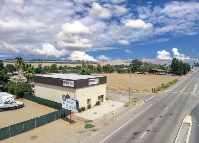 17199 N Friant Road, Friant, CA 93626 (#547275) :: Dehlan Group