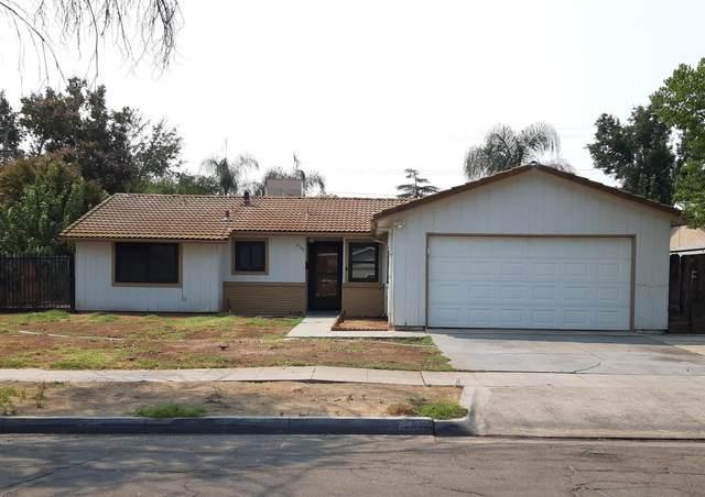 4108 E Holland Avenue, Fresno, CA 93726 (#547432) :: FresYes Realty