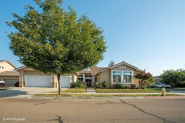 2350 E Lincoln Avenue, Reedley, CA 93654 (#547480) :: FresYes Realty