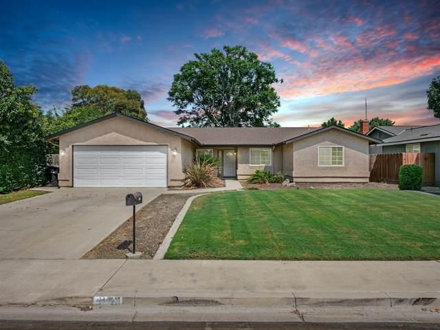 5150 W Heritage Avenue, Visalia, CA 93277 (#547587) :: FresYes Realty