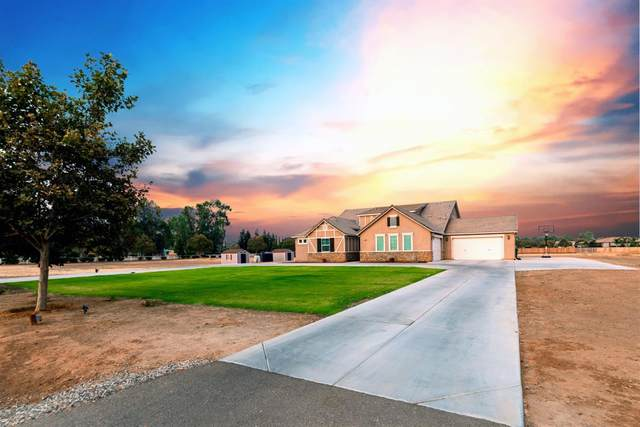 3938 N Peregrine Court, Sanger, CA 93657 (#547751) :: FresYes Realty