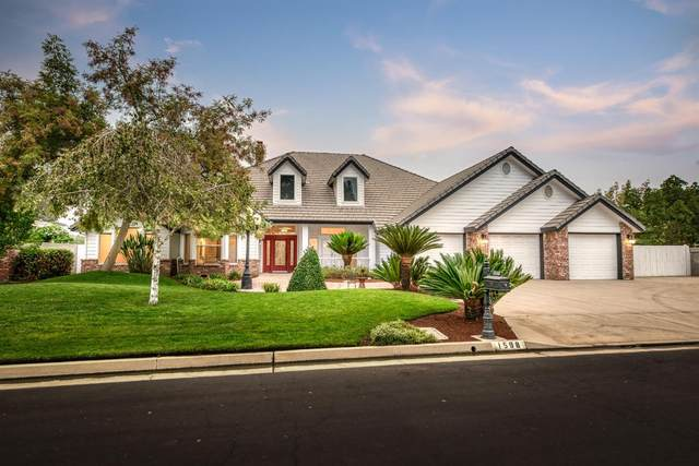 1598 E Forest Oaks Drive, Fresno, CA 93730 (#547893) :: FresYes Realty