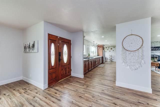 8268 E Alluvial Avenue, Clovis, CA 93619 (#547921) :: Realty Concepts