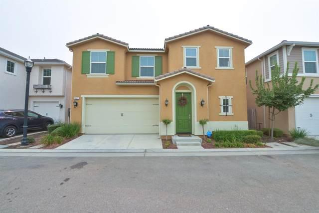 3562 Luminary Way, Clovis, CA 93619 (#548072) :: Your Fresno Realty | RE/MAX Gold