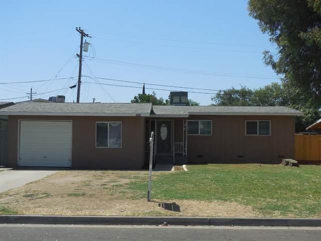 236 Dennis Drive, Clovis, CA 93612 (#548124) :: FresYes Realty
