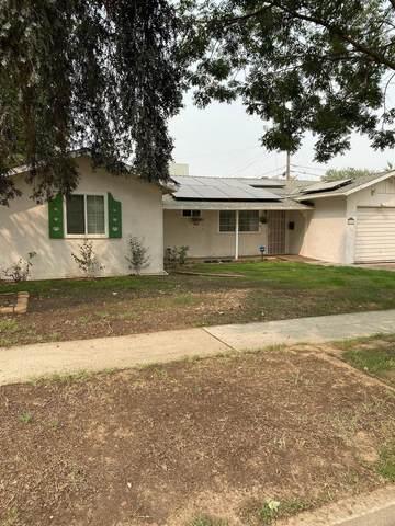 4403 N Angus Street, Fresno, CA 93726 (#548151) :: FresYes Realty