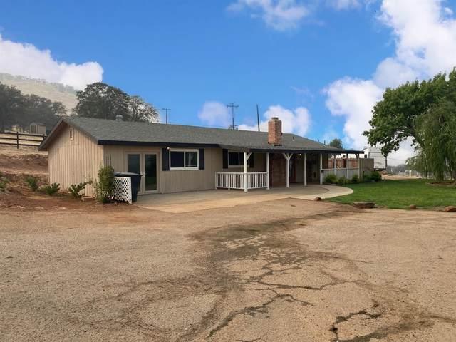 6966 Palomino Drive, Sanger, CA 93657 (#548162) :: FresYes Realty