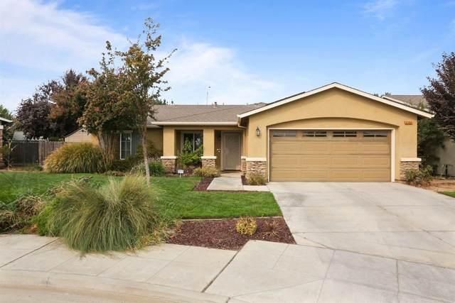 2584 S Adrian Avenue, Fresno, CA 93725 (#548266) :: FresYes Realty