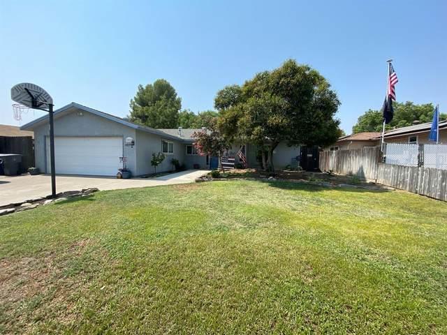 3332 Ezie Avenue, Clovis, CA 93611 (#548329) :: FresYes Realty