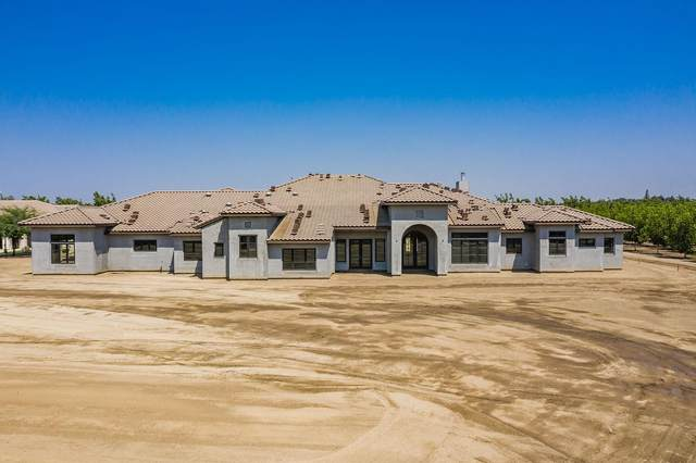 4590 11th Ave, Hanford, CA 93230 (#548333) :: FresYes Realty
