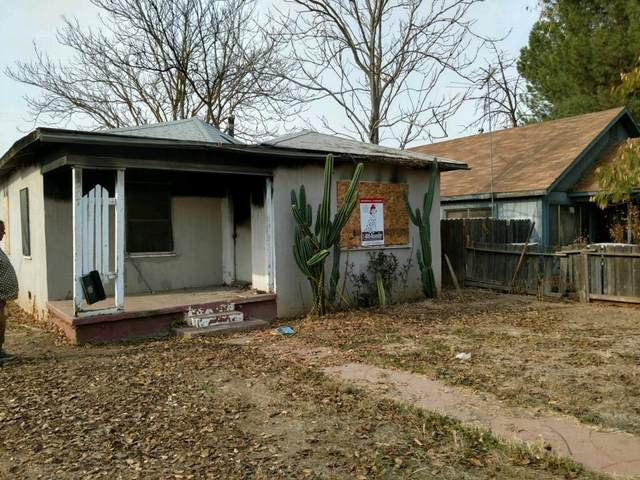 207 Morton Avenue, Sanger, CA 93657 (#548393) :: Raymer Realty Group