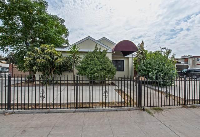 2858 E Olive Avenue, Fresno, CA 93701 (#548427) :: FresYes Realty