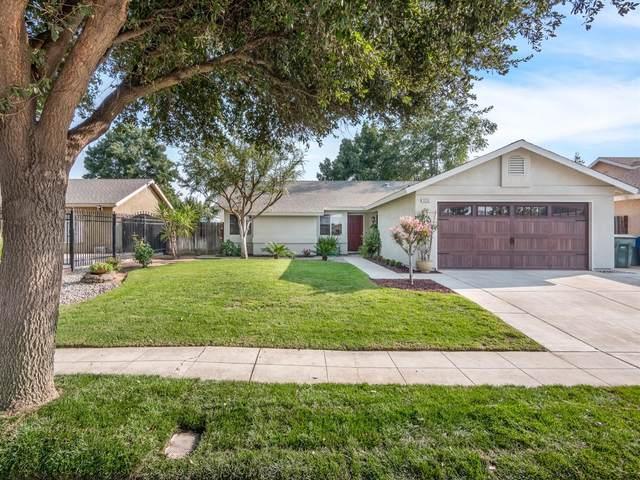 5715 W Santa Ana Avenue, Fresno, CA 93722 (#548610) :: FresYes Realty