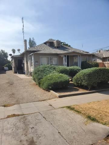 732 E Dennett Avenue, Fresno, CA 93728 (#548615) :: Raymer Realty Group