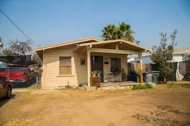 1845 E Hammond Avenue, Fresno, CA 93703 (#548635) :: Raymer Realty Group
