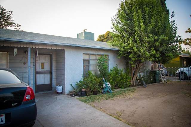 2446 S Rowell Avenue, Fresno, CA 93725 (#548639) :: Raymer Realty Group