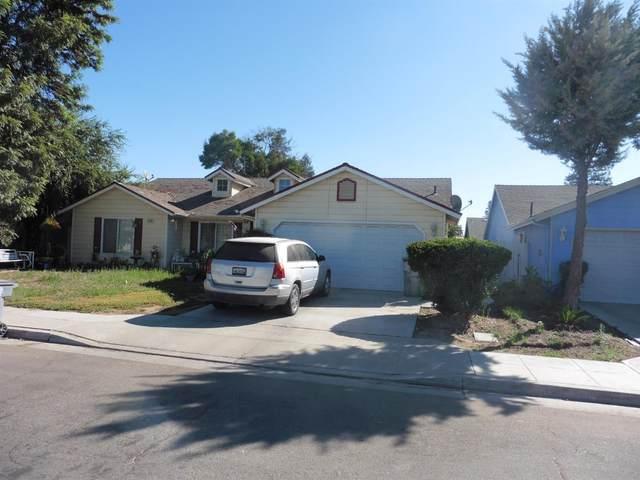 2238 N Milburn Avenue, Fresno, CA 93722 (#548661) :: FresYes Realty