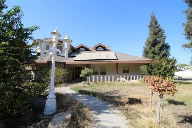 2591 Sandell Avenue, Kingsburg, CA 93631 (#548735) :: Dehlan Group