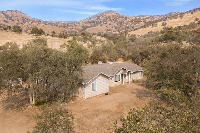 6864 Rodeo Drive, Sanger, CA 93657 (#548782) :: Raymer Realty Group