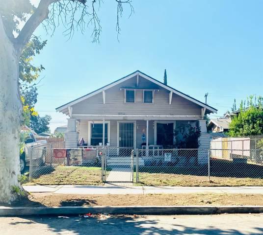 2216 E Clay Avenue, Fresno, CA 93701 (#548826) :: Raymer Realty Group