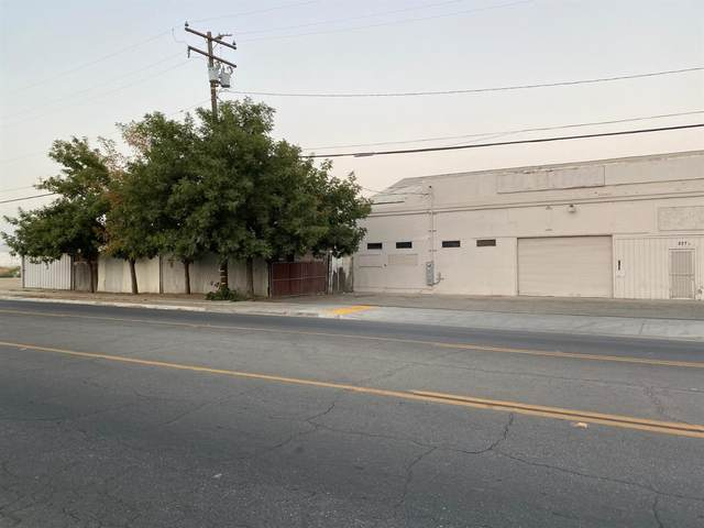 827 High Street, Delano, CA 93215 (#548881) :: Dehlan Group