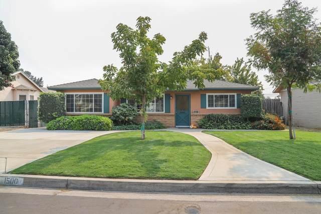1500 Union Street, Kingsburg, CA 93631 (#548997) :: Dehlan Group