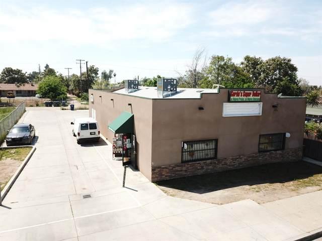 1233 Park Boulevard, Orange Cove, CA 93646 (#549044) :: Dehlan Group