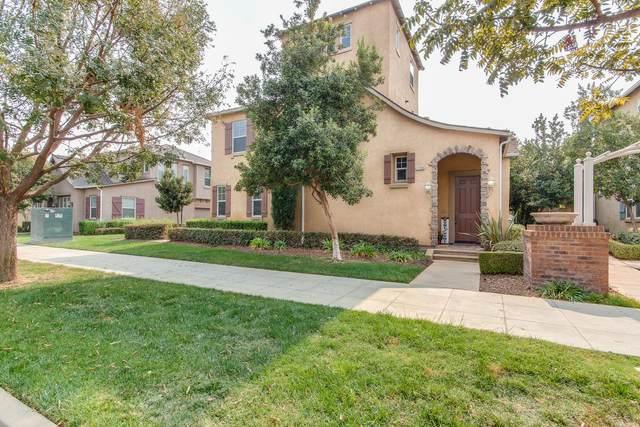 1756 N Dutch Avenue, Clovis, CA 93619 (#549143) :: Your Fresno Realty | RE/MAX Gold