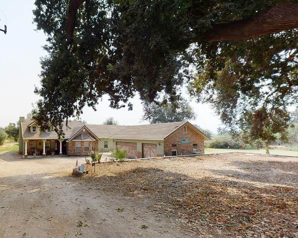 17265 Trimmer Spring Road E, Sanger, CA 93657 (#549290) :: Raymer Realty Group