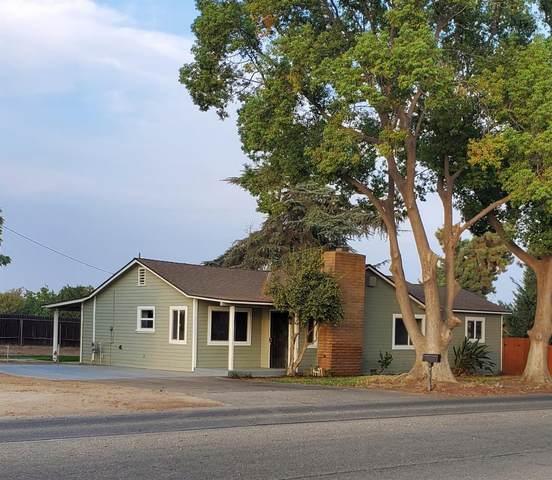13030 E Kamm Avenue, Kingsburg, CA 93631 (#549380) :: Dehlan Group