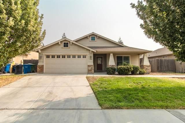 1426 Amarillo Street, Dinuba, CA 93618 (#549463) :: Dehlan Group