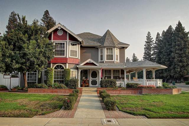 1468 W Flora Avenue, Reedley, CA 93654 (#549469) :: Dehlan Group