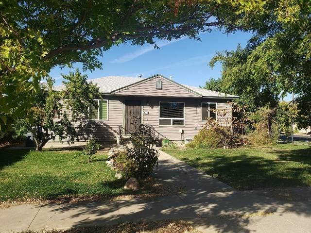 404 Adams Street, Coalinga, CA 93210 (#549568) :: Dehlan Group