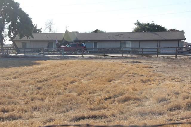 4633 N Hayes Avenue, Fresno, CA 93723 (#549613) :: Dehlan Group