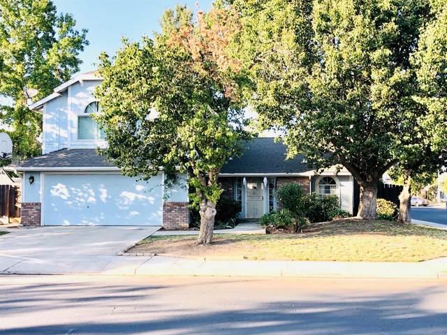 1027 Palo Alto Avenue, Clovis, CA 93612 (#549861) :: FresYes Realty