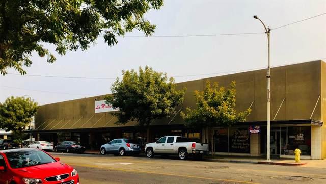 1608 11th Street, Reedley, CA 93654 (#549989) :: Dehlan Group