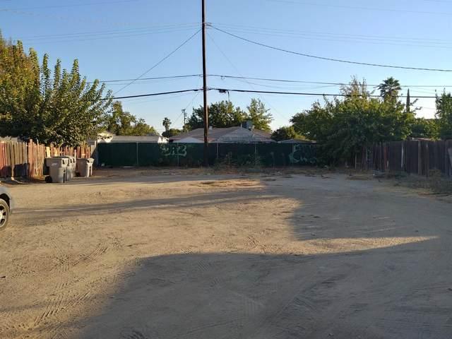 3822 E Clinton Avenue, Fresno, CA 93703 (#550039) :: Dehlan Group
