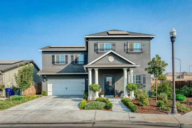 4181 San Gabriel Avenue, Clovis, CA 93619 (#550097) :: Dehlan Group