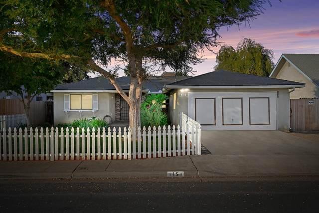 1151 Saginaw Avenue, Clovis, CA 93612 (#550141) :: FresYes Realty