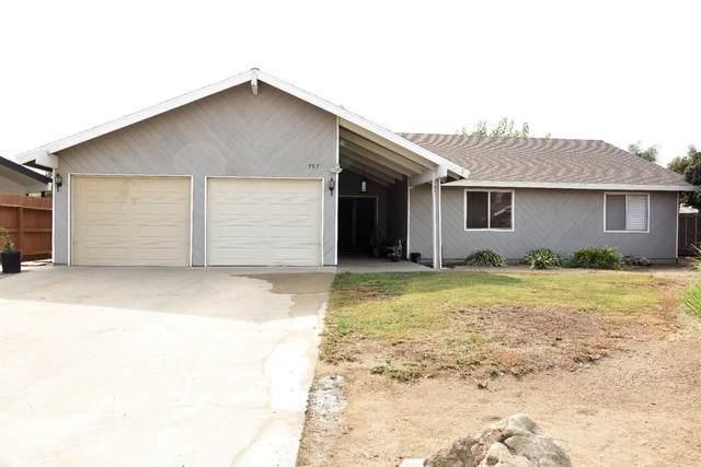 757 N Nichols, Dinuba, CA 93618 (#550169) :: Dehlan Group