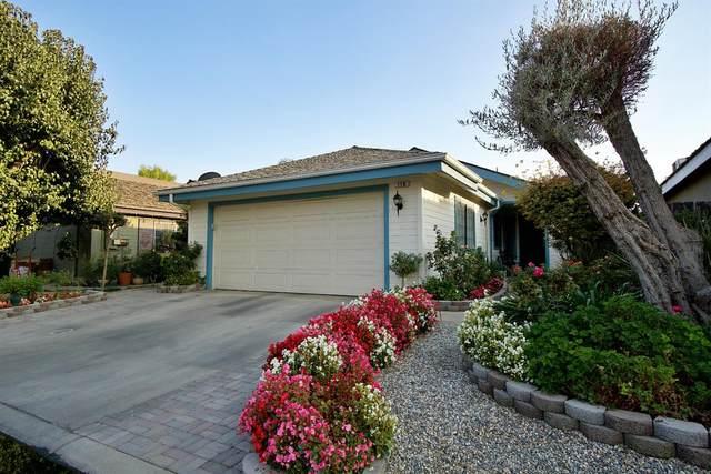 3065 N Marty Avenue #110, Fresno, CA 93722 (#550198) :: FresYes Realty