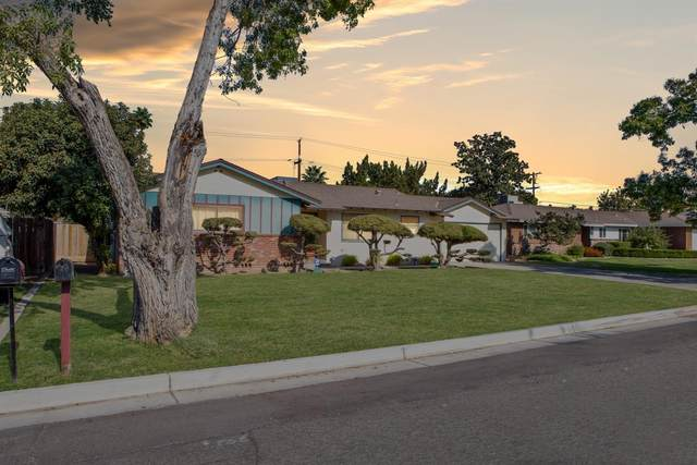 5741 E Siverly Lane, Fresno, CA 93727 (#550360) :: Your Fresno Realty | RE/MAX Gold